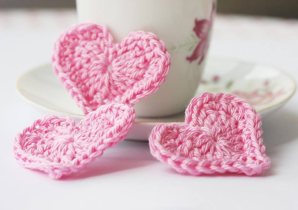 Pink crochet hearts applique embellishments