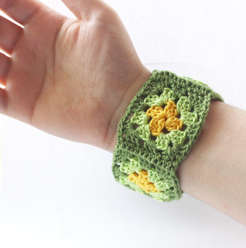 Crochet bracelet fiber bangle cuff granny square wristband green yellow